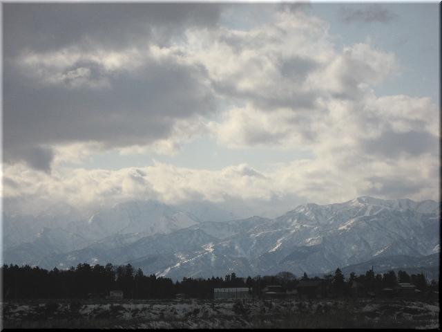 赤倉山と妙高山と雪景色