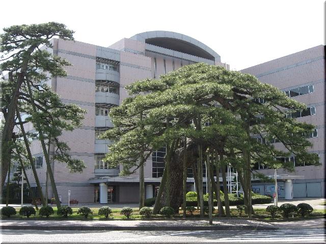 新潟市役所庁舎