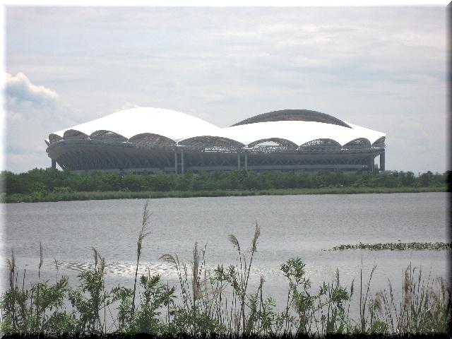 緑に囲まれたビッグスワン・スタジアム
