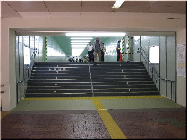 新潟駅全面高架化工事・東側自由通路仮設