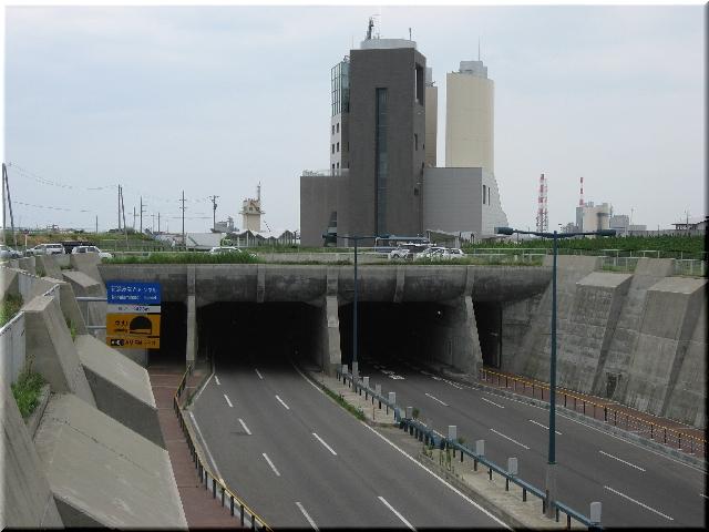 海底トンネル・新潟みなとトンネル