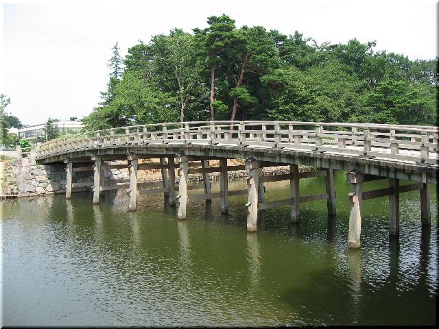 高田公園・極楽橋