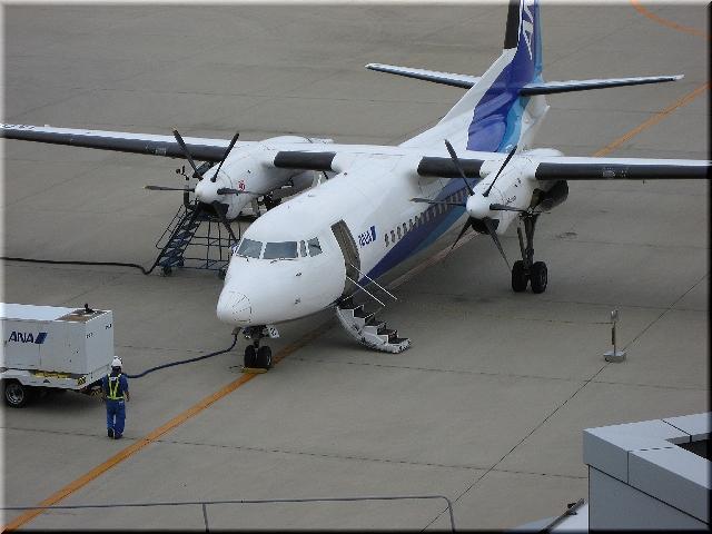 ANA Fokker F50 JA01NV