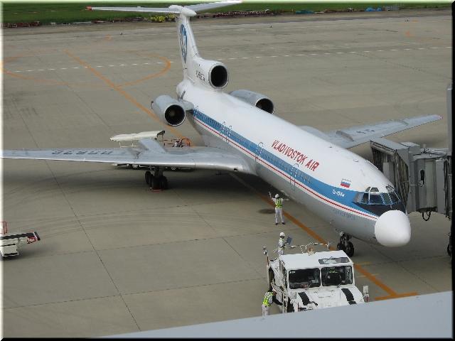 VLK Tupolyeva Tu-154M RA-B5676