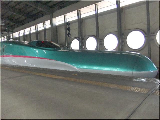 新幹線 E5系はやぶさ