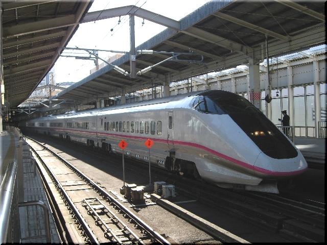 東北・秋田新幹線E3系R5(仙台駅)