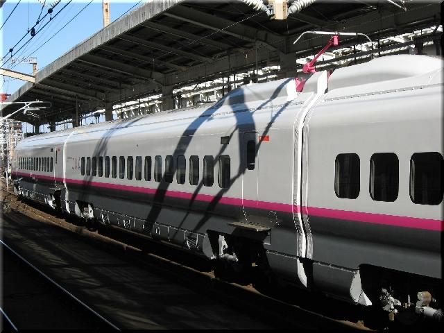 東北・秋田新幹線E3系R13(仙台駅)